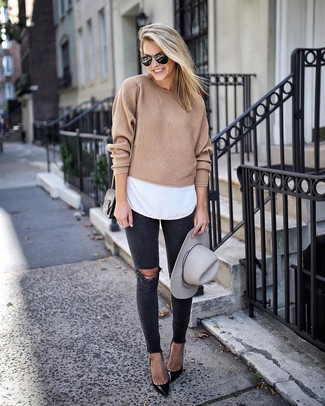 How to wear: tan crew-neck sweater, white crew-neck t-shirt, black ripped skinny jeans, black leather pumps