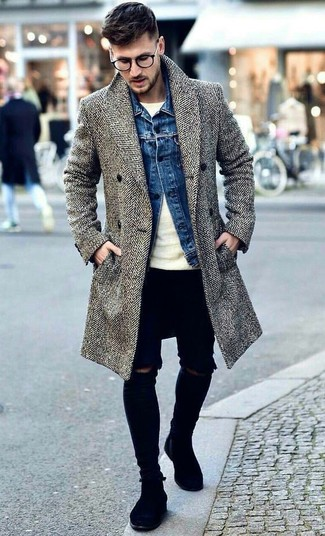 How to wear: black ripped skinny jeans, beige crew-neck sweater, blue denim jacket, grey herringbone overcoat