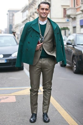 How to wear: white long sleeve shirt, green crew-neck sweater, olive suit, green pea coat