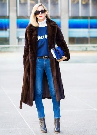 How to wear: blue skinny jeans, blue print crew-neck sweater, white turtleneck, dark brown fur coat