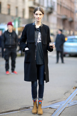 How to wear: navy skinny jeans, black and white print crew-neck t-shirt, black leather biker jacket, black coat
