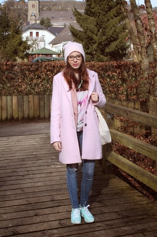 How to wear: blue skinny jeans, pink print crew-neck t-shirt, pink blazer, pink coat