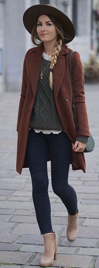 How to Wear Beige Leather Ankle Boots: You'll be surprised at how easy it is to get dressed like this. Just a brown coat combined with navy skinny jeans. Let your sartorial prowess really shine by finishing this look with a pair of beige leather ankle boots.