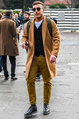How to wear: mustard chinos, white crew-neck t-shirt, black cardigan, camel overcoat