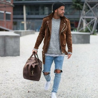 How to wear: light blue ripped skinny jeans, grey crew-neck t-shirt, grey crew-neck sweater, brown suede biker jacket