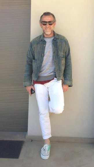 How to wear: white chinos, burgundy crew-neck t-shirt, grey crew-neck sweater, olive denim jacket
