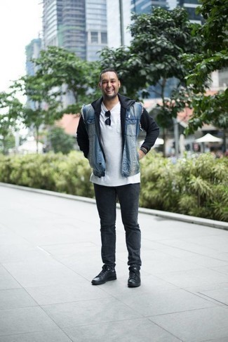 How to Wear a Black Hoodie For Men: This combo of a black hoodie and charcoal jeans is great for most casual occasions. A pair of black leather low top sneakers is the glue that will bring your outfit together.