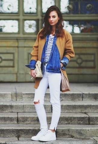 How to wear: white ripped skinny jeans, white and navy horizontal striped crew-neck t-shirt, blue denim jacket, camel coat