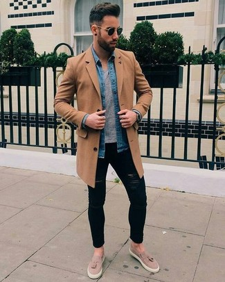 How to wear: black ripped skinny jeans, grey crew-neck t-shirt, blue denim shirt, camel overcoat