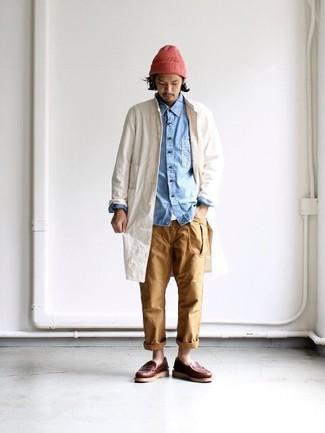 How to wear: khaki chinos, white crew-neck t-shirt, light blue denim shirt, beige raincoat