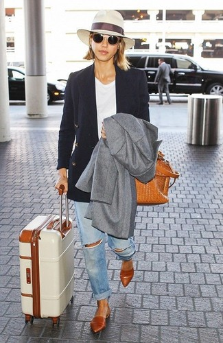 How to wear: light blue ripped boyfriend jeans, white crew-neck t-shirt, black double breasted blazer, grey coat