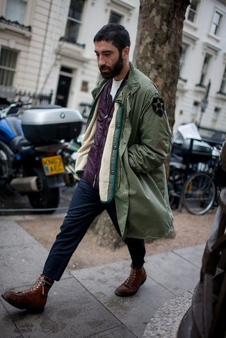 How to wear: navy chinos, white crew-neck t-shirt, purple gilet, olive parka