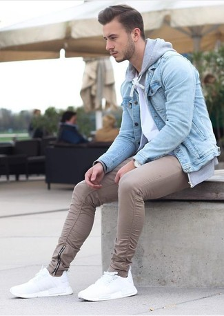 How to wear: beige chinos, white crew-neck t-shirt, grey hoodie, light blue denim jacket