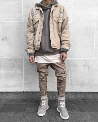 How to wear: khaki jeans, white crew-neck t-shirt, grey hoodie, beige denim jacket