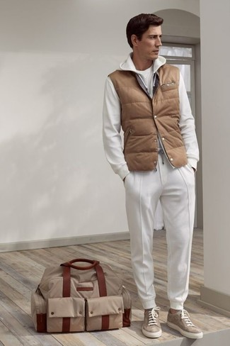 How to wear: white sweatpants, white crew-neck t-shirt, white hoodie, tan quilted gilet