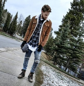How to wear: blue ripped skinny jeans, white crew-neck t-shirt, navy plaid long sleeve shirt, brown suede barn jacket