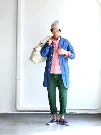 How to wear: dark green jeans, white crew-neck t-shirt, pink long sleeve shirt, blue raincoat