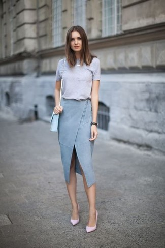 How to wear: grey crew-neck t-shirt, light blue slit denim pencil skirt, pink leather pumps, light blue leather crossbody bag