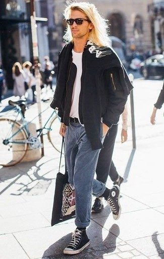 How to Wear Socks For Men: This street style pairing of a black bomber jacket and socks is super easy to pull together without a second thought, helping you look on-trend and ready for anything without spending a ton of time digging through your wardrobe. Black and white canvas high top sneakers will infuse a dash of class into an otherwise mostly dressed-down outfit.