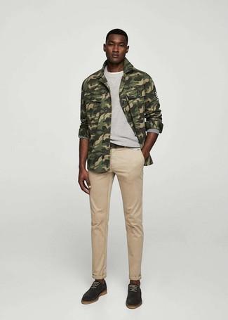 How to wear: khaki jeans, white crew-neck t-shirt, grey sweatshirt, olive camouflage shirt jacket