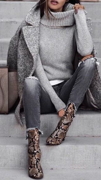 How to wear: grey ripped jeans, white crew-neck t-shirt, grey knit turtleneck, grey coat