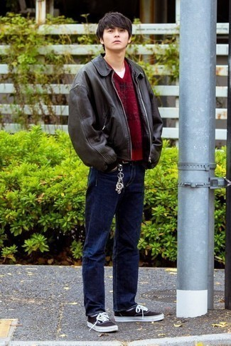 Men's Looks & Outfits: What To Wear In 2020: If you're looking to take your off-duty look up a notch, wear a black leather harrington jacket with navy jeans. Black and white canvas low top sneakers are a welcome accompaniment for your ensemble.