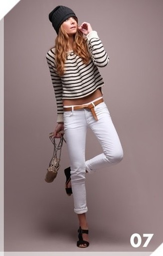 How to wear: white and black horizontal striped cropped sweater, white skinny jeans, black suede wedge sandals, black beanie