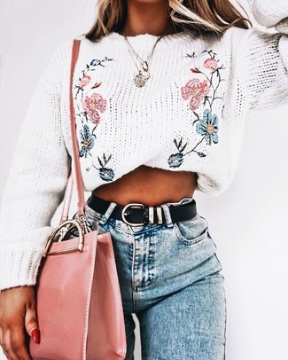 How to wear: black leather belt, pink leather crossbody bag, light blue skinny jeans, white embroidered crew-neck sweater