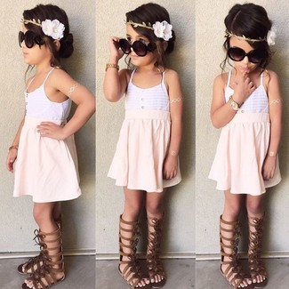 How to wear: dark brown sandals, pink skirt, white tank top