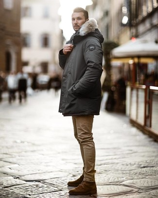 How to wear: dark brown suede casual boots, khaki skinny jeans, charcoal parka