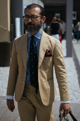 How to Wear a White and Blue Gingham Dress Shirt For Men: Teaming a white and blue gingham dress shirt and a tan suit is a fail-safe way to inject your wardrobe with some masculine refinement.