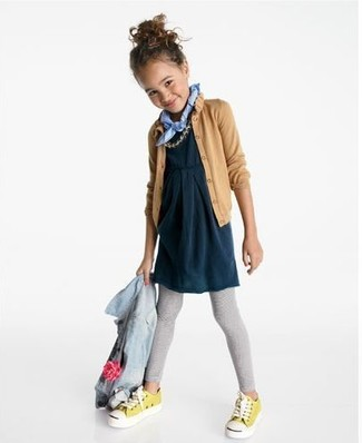 How to wear: light blue denim jacket, tan cardigan, navy dress, grey leggings