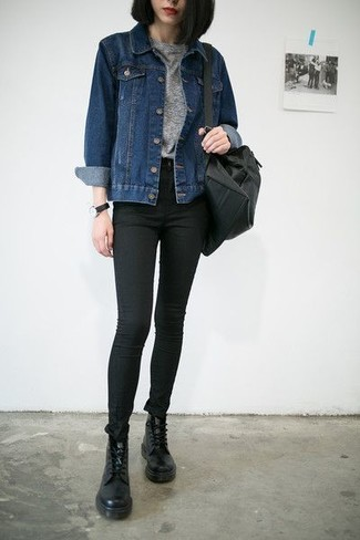 A navy denim jacket and a backpack will convey a carefree, cool-girl vibe. This outfit is complemented perfectly with black leather lace-up flat boots. Clearly, an outfit like this will keep you warm and stylish during the fall.