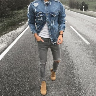 How to wear: blue denim jacket, white crew-neck t-shirt, grey ripped skinny jeans, tan suede chelsea boots