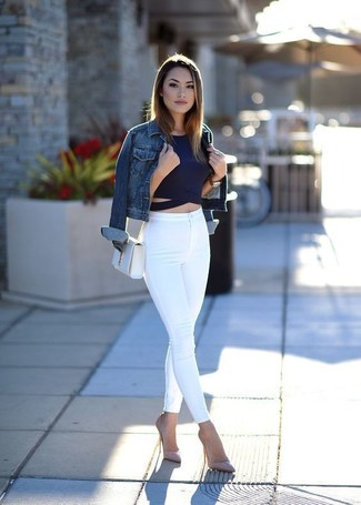 How to wear: blue denim jacket, navy cropped top, white skinny jeans, pink leather pumps