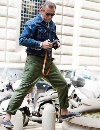 How to wear: blue denim jacket, white long sleeve shirt, olive chinos, navy leather boat shoes