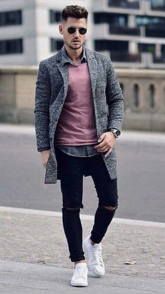 How to wear: black ripped skinny jeans, grey denim shirt, pink crew-neck sweater, grey overcoat