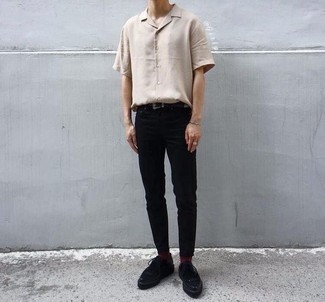 Teen Boy Fashion: What To Wear: A beige short sleeve shirt and black chinos are a nice combination that will effortlessly take you throughout the day. Make this ensemble a bit more sophisticated by finishing with a pair of black suede derby shoes.