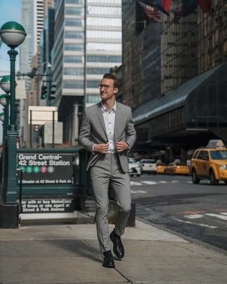 How to wear: black leather watch, black leather derby shoes, white dress shirt, grey suit