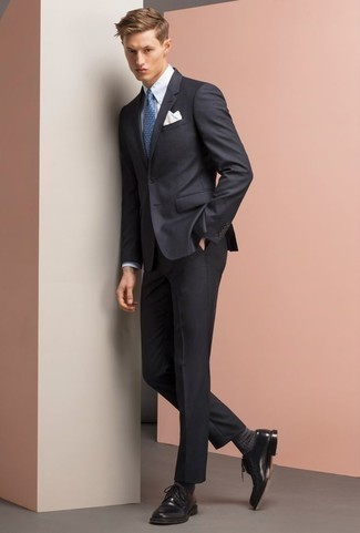 How to Wear Charcoal Socks For Men: Rock a navy suit with charcoal socks for a day-to-day getup that's full of charm and personality. Rounding off with a pair of black leather derby shoes is a guaranteed way to inject an element of elegance into this ensemble.