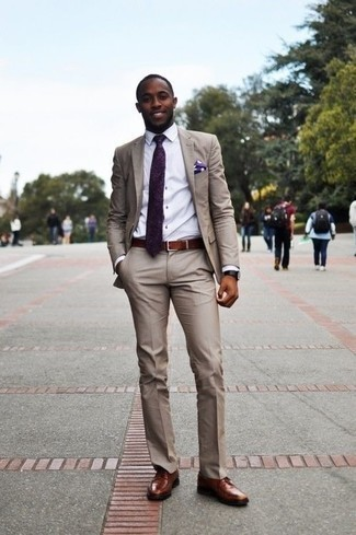 How to Wear Brown Leather Derby Shoes: For an outfit that's nothing less than wow-worthy, pair a beige suit with a white dress shirt. If you need to easily play down your ensemble with a pair of shoes, introduce a pair of brown leather derby shoes to this getup.