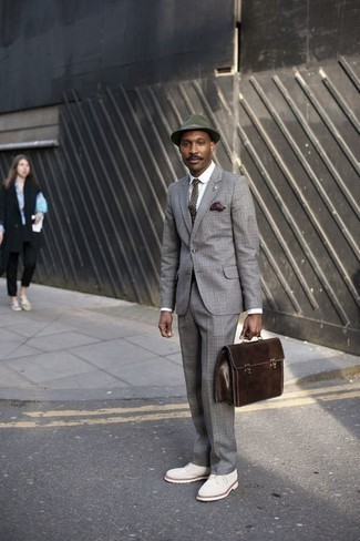 How to Wear White Suede Derby Shoes: A grey plaid suit and a white dress shirt are among the unshakeable foundations of any solid closet. On the shoe front, this look pairs really well with white suede derby shoes.