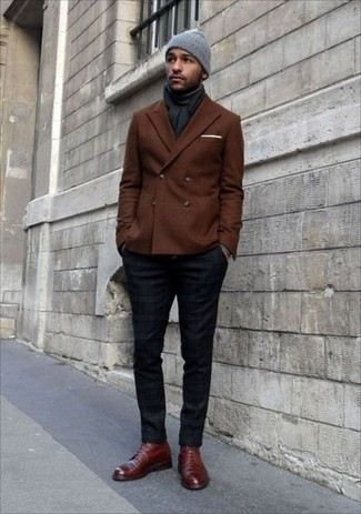 This pairing of a dark brown double breasted blazer and navy chinos will set you apart effortlessly. Bring a touch of sophistication to your look with dark red leather dress boots. So if you're on the hunt for an outfit that's sharp but also feels totally spring_friendly, this one fits the bill.