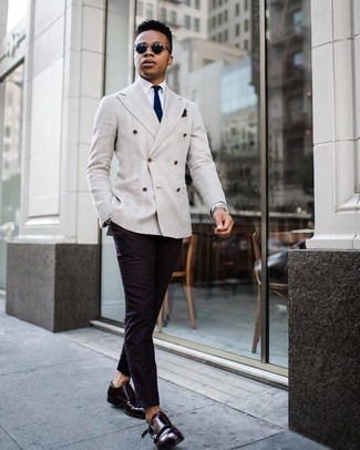 For a nothing less than incredibly stylish ensemble, wear a grey double breasted blazer with a Nordstrom Shop Silk Pocket Square. Add a sportier vibe to your ensemble with burgundy leather double monks. So as you can see, this is a kick-ass idea for summer.