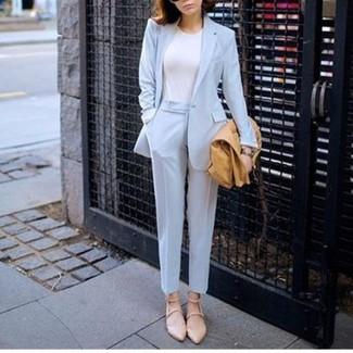 How to wear: beige leather ballerina shoes, light blue dress pants, white crew-neck t-shirt, light blue blazer