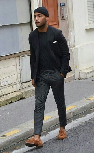 13539738974 How To Wear a Black Blazer With a Black Crew-neck T-shirt For Men ...