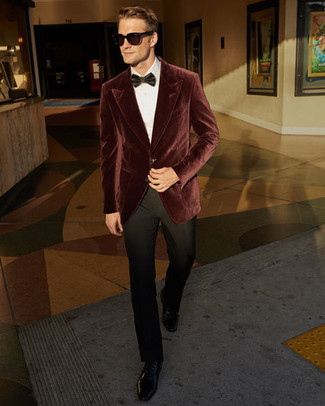 Men's Looks & Outfits: What To Wear In 2020: This classy combo of a burgundy velvet blazer and black dress pants will be a good demonstration of your expert styling. Our favorite of a ton of ways to finish off this outfit is a pair of black leather derby shoes.