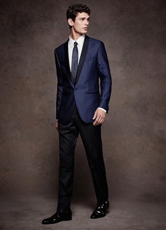 Men's Looks & Outfits: What To Wear In 2020: Choose a navy satin blazer and black dress pants to look like a refined gentleman. Black leather derby shoes round off this ensemble quite well.