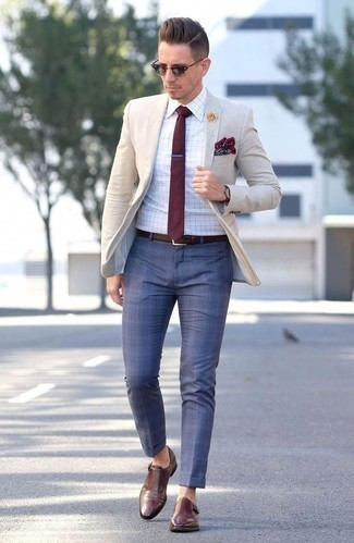 How to Wear a Burgundy Tie For Men: Combining a beige blazer with a burgundy tie is an on-point pick for a dapper and polished look. Go ahead and complete this ensemble with brown leather double monks for a more relaxed spin.