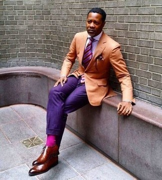 How to Wear a Light Violet Dress Shirt For Men: Opt for a light violet dress shirt and violet dress pants for a sleek classy menswear style. All you need now is a pair of tobacco leather oxford shoes to finish off this ensemble.
